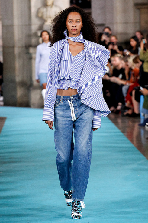 off_white_pasarela_136960773_490x735
